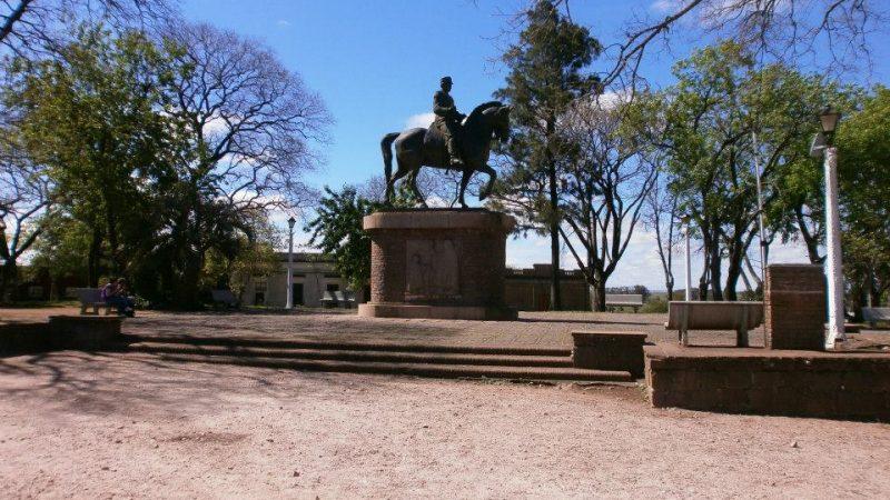 Plaza de los Treinta y tres Orientales
